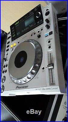 2 x Pioneer CDJ2000 and DJM900 in White! Only 1000 made! VERY RARE! Incl Case