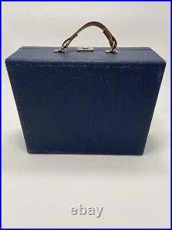 VERY RARE VINTAGE SINGER FEATHERWEIGHT 221 BLUE FASHION AIDS CASE with SINGERCRAFT