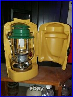 Very RARE Coleman 335P Lantern WithClamshell Case! Made in Canada for Export Only