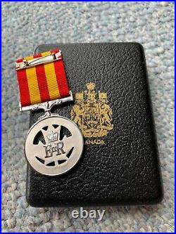 Very Rare NAMED Canadian Fire Service Exemplary Service Medal, Cased